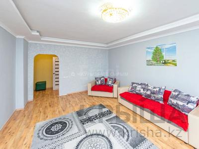 2-комнатная квартира, 86 м², 10/12 этаж, Сембинова за 26 млн 〒 в Нур-Султане (Астане), р-н Байконур