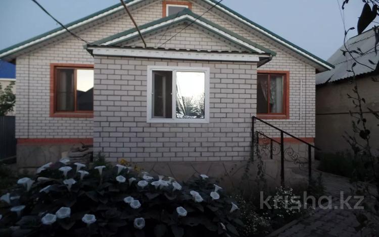 4-комнатный дом, 100 м², 10 сот., Панфилова за 21.5 млн 〒 в Актобе, Старый город