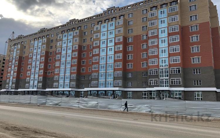 3-комнатная квартира, 91 м², 10/10 этаж, проспект Алии Молдагуловой 66 за 16.5 млн 〒 в Актобе, мкр. Батыс-2