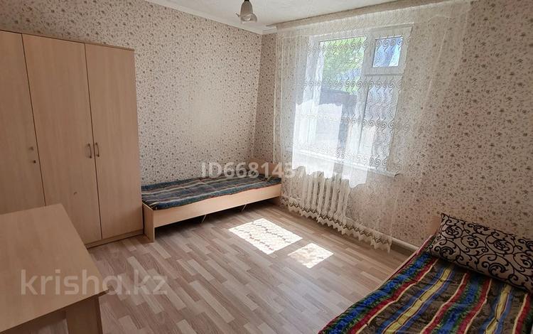 4 комнаты, 16 м², Майкутова 26 — Затаевича за 40 000 〒 в Нур-Султане (Астане), Сарыарка р-н