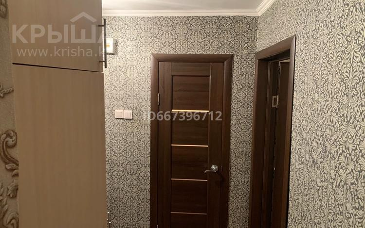 1-комнатная квартира, 30 м², 1/5 этаж, 2-ая школьная 1Б — Карменова за 5.3 млн 〒 в Семее