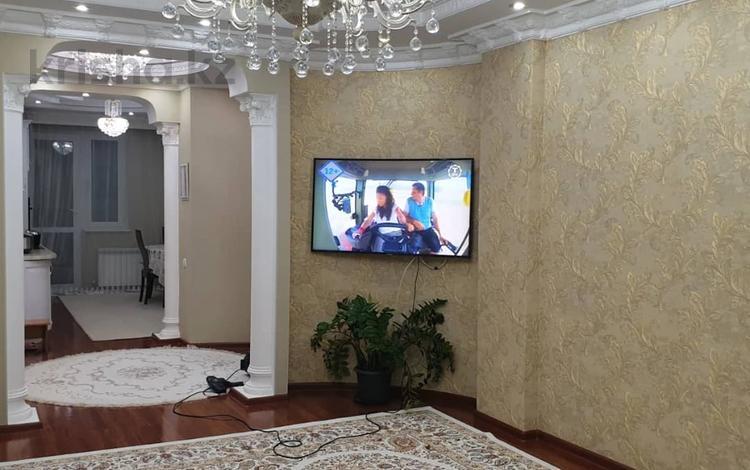 3-комнатная квартира, 91 м², Иманова за ~ 29.4 млн 〒 в Нур-Султане (Астана), р-н Байконур