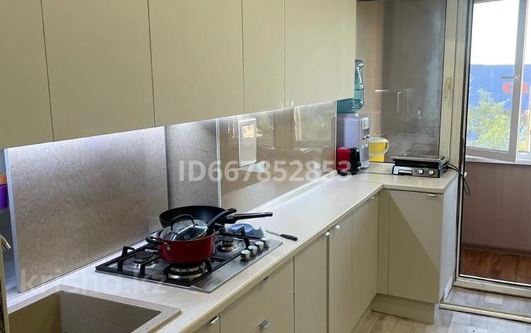 3-комнатная квартира, 74 м², 4/4 этаж, Жангозина — Абая за 20 млн 〒 в Каскелене
