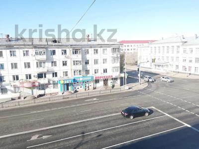 3-комнатная квартира, 60 м², 4/4 этаж, Бейбитшилик 58 за 14.3 млн 〒 в Нур-Султане (Астана) — фото 26