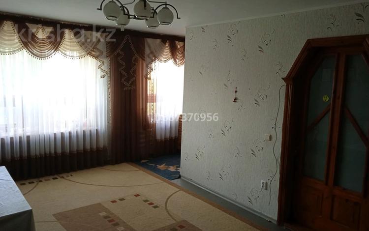 3-комнатная квартира, 76.5 м², 3/5 этаж, 2 3 за 13 млн 〒 в Лисаковске