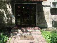 Магазин площадью 50 м², Курмангазы 83 — Сейфуллина за 300 000 〒 в Алматы, Алмалинский р-н
