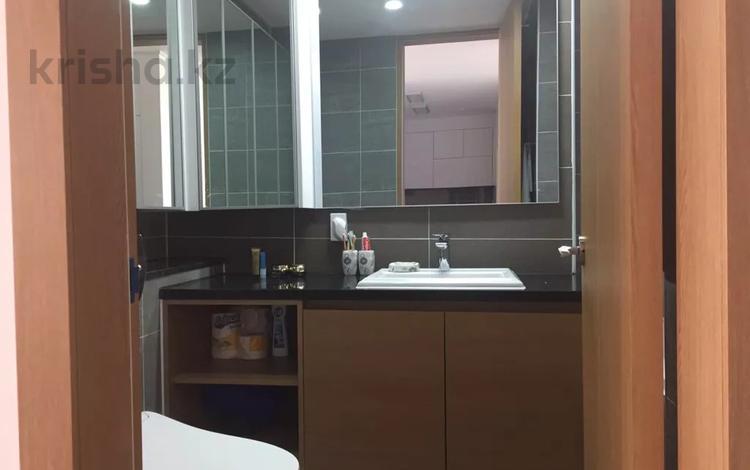 3-комнатная квартира, 73 м², 10/22 этаж помесячно, Кабанбай батыра 43А за 230 000 〒 в Нур-Султане (Астана), Есиль р-н