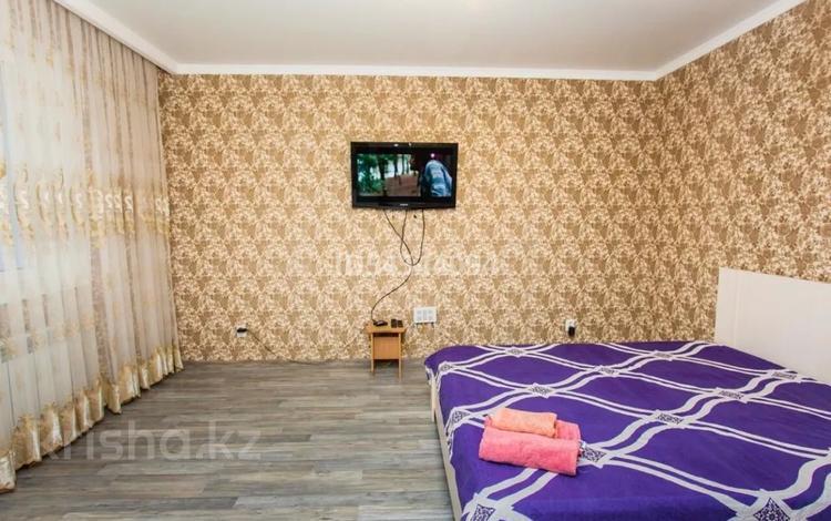 1-комнатная квартира, 40 м², 7 этаж посуточно, Алтыбакан 1 за 8 000 〒 в Нур-Султане (Астана), Алматы р-н