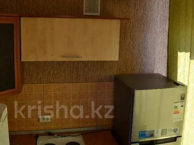 1-комнатная квартира, 30 м², 5/5 этаж по часам, Независимости 27/3 за 800 〒 в Усть-Каменогорске — фото 4
