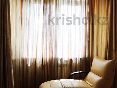 4-комнатная квартира, 140 м², 14/22 этаж помесячно, Проспект Абылай Хана 92/87 — Кабанбай Батыра за 600 000 〒 в Алматы, Алмалинский р-н — фото 11