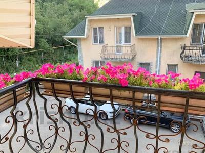 5-комнатная квартира, 185 м², 3/3 этаж, мкр Каменское плато, Ладушкина за 68 млн 〒 в Алматы, Медеуский р-н