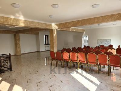 Здание, Кабанбай Батыра — Аманжолова Касыма площадью 450 м² за 1.6 млн 〒 в Алматы