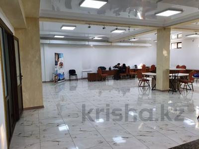 Здание, Кабанбай Батыра — Аманжолова Касыма площадью 450 м² за 1.6 млн 〒 в Алматы — фото 3