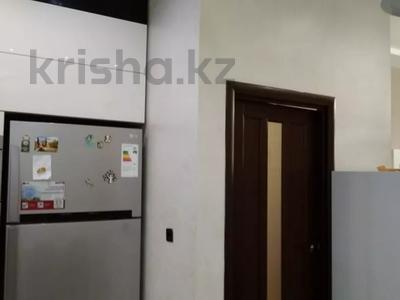 3-комнатная квартира, 120 м², 1/3 этаж, Аскарова Асанбая за 77 млн 〒 в Алматы, Бостандыкский р-н — фото 18