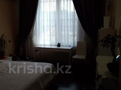 3-комнатная квартира, 120 м², 1/3 этаж, Аскарова Асанбая за 77 млн 〒 в Алматы, Бостандыкский р-н — фото 21