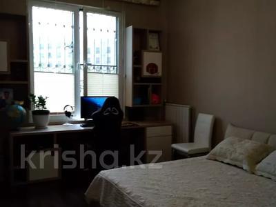 3-комнатная квартира, 120 м², 1/3 этаж, Аскарова Асанбая за 77 млн 〒 в Алматы, Бостандыкский р-н — фото 36