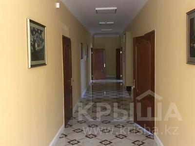 Офис площадью 400 м², Ул желтоксан — Пр. Райымбек за 2 500 〒 в Алматы, Жетысуский р-н