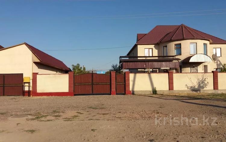 7-комнатный дом, 320 м², 30 сот., Корагаты 28 за 50 млн 〒 в Толе би