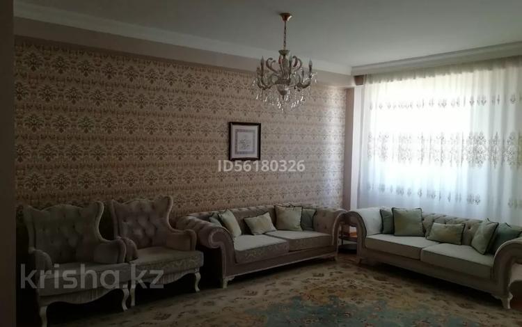 5-комнатная квартира, 200 м², 12/13 этаж помесячно, Шаляпина 21 за 800 000 〒 в Алматы, Ауэзовский р-н