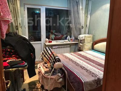 2-комнатная квартира, 60 м², 6/9 этаж, мкр Аксай-4 99 — ул. Саина и Жубанова за 20.5 млн 〒 в Алматы, Ауэзовский р-н — фото 4