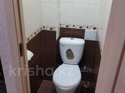 3-комнатная квартира, 75 м², 1/5 этаж помесячно, мкр Орбита-1, Мустафина — Торайгырова за 185 000 〒 в Алматы, Бостандыкский р-н — фото 12