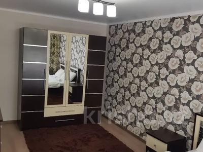 3-комнатная квартира, 75 м², 1/5 этаж помесячно, мкр Орбита-1, Мустафина — Торайгырова за 185 000 〒 в Алматы, Бостандыкский р-н — фото 4