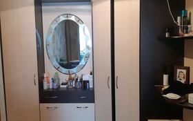 2-комнатная квартира, 50 м², 4/5 этаж помесячно, улица Ауэзова 39 за 80 000 〒 в Щучинске