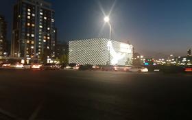 2-комнатная квартира, 78 м², 9/14 этаж посуточно, Тауелсиздик 34 — Момышулы за 9 000 〒 в Нур-Султане (Астана), Алматы р-н