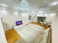 3-комнатная квартира, 120 м², 4/17 этаж, Муканова — Шевченко за 63 млн 〒 в Алматы, Алмалинский р-н