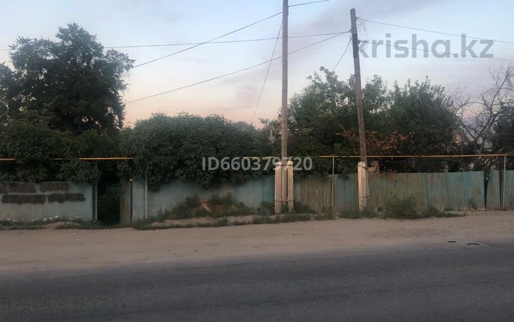 4-комнатный дом помесячно, 50 м², 8 сот., Азербаева 55 за 100 000 〒 в Боралдае (Бурундай)