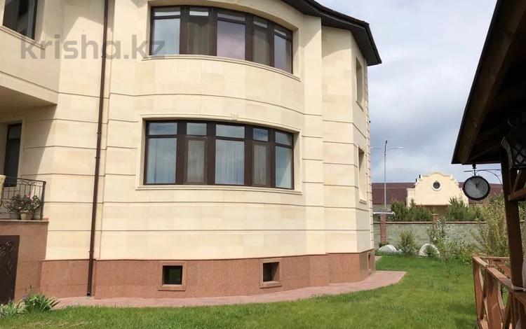 11-комнатный дом, 700 м², 10 сот., Тельмана — Мугалжар за 480 млн 〒 в Нур-Султане (Астана), Есиль р-н