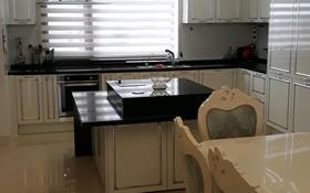 4-комнатная квартира, 180 м², 23 этаж помесячно, Кошкарбаева 8 за 700 000 〒 в Нур-Султане (Астане), Есильский р-н
