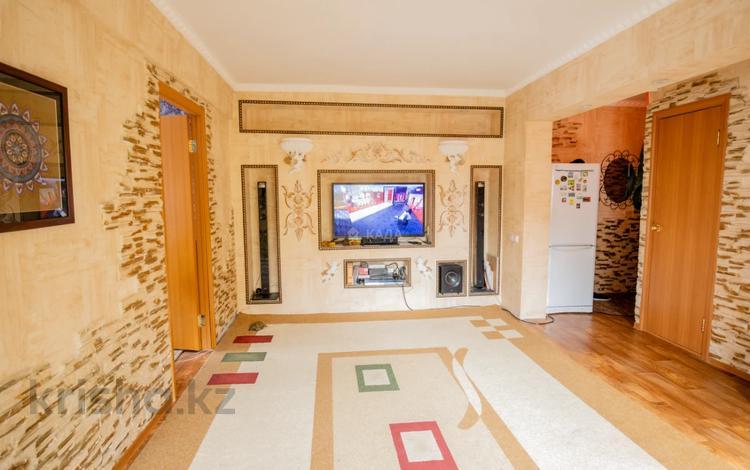 3-комнатная квартира, 70 м², 5/5 этаж, Добролюбова 49 за 13.3 млн 〒 в Усть-Каменогорске