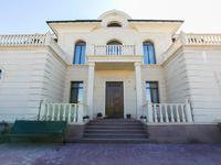 7-комнатный дом, 850 м², 14 сот.