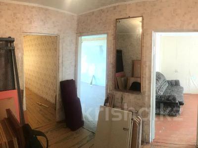 3-комнатная квартира, 60.1 м², 2/5 этаж, Камзина 17 за 4.7 млн 〒 в Аксу — фото 2