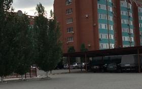 3-комнатная квартира, 90 м², 8/8 этаж помесячно, Санкибай батыра 28 в к/2 за 80 000 〒 в Актобе