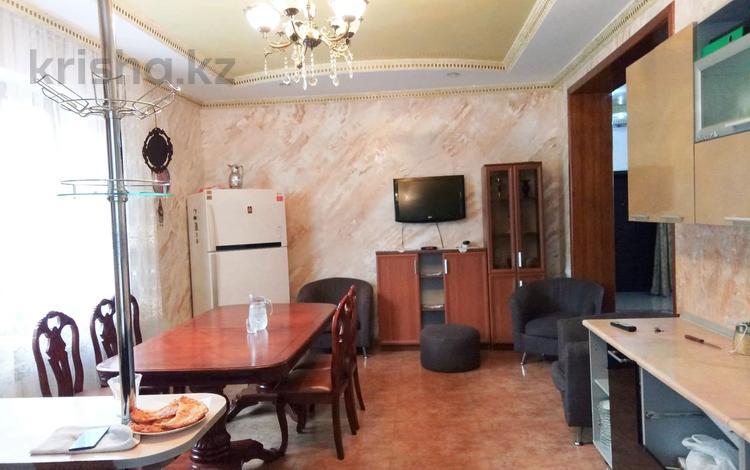 6-комнатный дом помесячно, 260 м², 5 сот., мкр Алатау, Мкр Алатау за 500 000 〒 в Алматы, Бостандыкский р-н