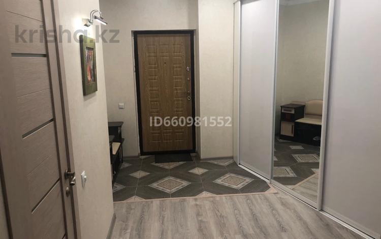 2-комнатная квартира, 72 м², 16/25 этаж, 11 микрорайон 112В за 19.5 млн 〒 в Актобе, мкр 11