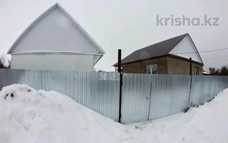 Дача с участком в 7.73 сот., Строитель 154 за 5.8 млн 〒 в Уральске