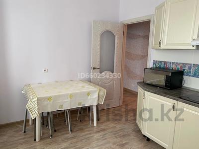 2-комнатная квартира, 73 м², 2/9 этаж помесячно, Омарова 13 за 140 000 〒 в Нур-Султане (Астана), Есиль р-н — фото 11