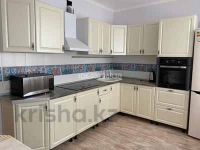 2-комнатная квартира, 73 м², 2/9 этаж помесячно, Омарова 13 за 140 000 〒 в Нур-Султане (Астана), Есиль р-н — фото 12