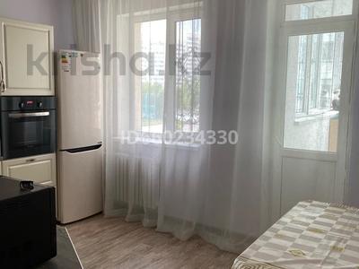 2-комнатная квартира, 73 м², 2/9 этаж помесячно, Омарова 13 за 140 000 〒 в Нур-Султане (Астана), Есиль р-н — фото 13
