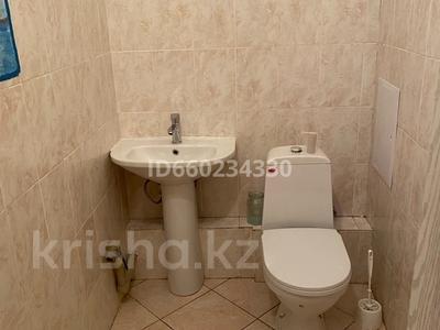 2-комнатная квартира, 73 м², 2/9 этаж помесячно, Омарова 13 за 140 000 〒 в Нур-Султане (Астана), Есиль р-н — фото 9