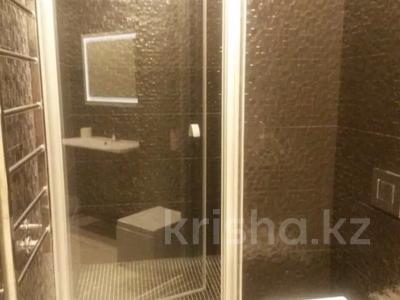 3-комнатная квартира, 125 м², 5 этаж помесячно, проспект Мангилик Ел 28 — Ханов Керея и Жанибека за 270 000 〒 в Нур-Султане (Астана), Есиль р-н — фото 10
