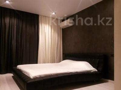 3-комнатная квартира, 125 м², 5 этаж помесячно, проспект Мангилик Ел 28 — Ханов Керея и Жанибека за 270 000 〒 в Нур-Султане (Астана), Есиль р-н — фото 8