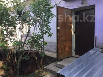 4-комнатный дом, 75.1 м², 4 сот., Джамбула — Шакирова за 36 млн 〒 в Караганде, Казыбек би р-н
