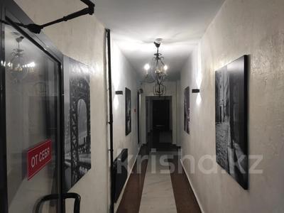 2-комнатная квартира, 62 м², 9/12 этаж, Керей, Жәнібек хандар 28 за 25.5 млн 〒 в Нур-Султане (Астана), Есиль р-н — фото 11
