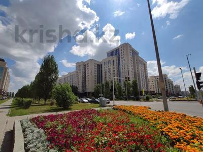 2-комнатная квартира, 62 м², 9/12 этаж, Керей, Жәнібек хандар 28 за 25.5 млн 〒 в Нур-Султане (Астана), Есиль р-н — фото 12