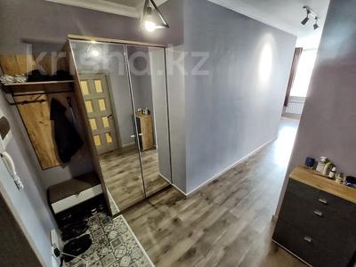 2-комнатная квартира, 62 м², 9/12 этаж, Керей, Жәнібек хандар 28 за 25.5 млн 〒 в Нур-Султане (Астана), Есиль р-н — фото 16