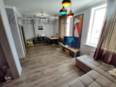 2-комнатная квартира, 62 м², 9/12 этаж, Керей, Жәнібек хандар 28 за 25.5 млн 〒 в Нур-Султане (Астана), Есиль р-н — фото 2